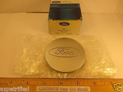 ONE FORD 1992/UP E150/350 ECONOLINE VAN ORNAMENT CAP/COVER HUB NOS FREE SHIPPING