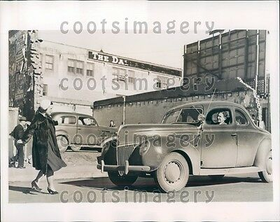 1940 Dallas TX Girl Steps in Front of Vintage Auto Insurance Scam Press Photo