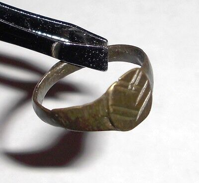 Ancient Roman Empire, 1st - 3rd c. AD. Bronze Ring. • CAD $46.56