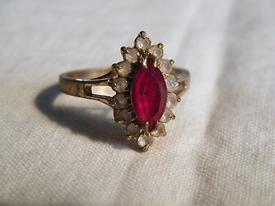 Beautiful Gold Tone Cocktail Ring White and Red Rhinestones Size 8 CUTE