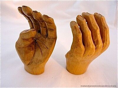 A FANTASTIC PAIR OF ANTIQUE HAND CARVED WOODEN HANDS BOXWOOD HAND CARVING