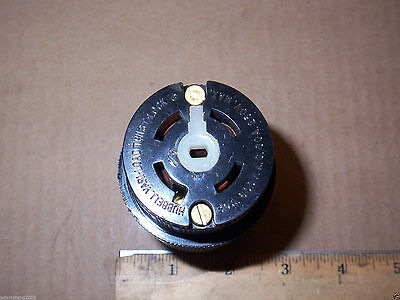 NEW NO BOX HUBBELL 45135 TWIST-LOCK 4 POLE 5 WIRE 30 AMP 600v RECEPTACLE