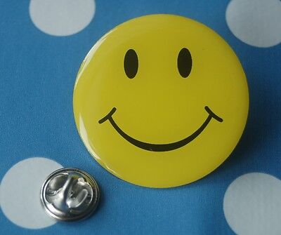 Smily, Smilie, Smiley lachendes Gesicht XL Pin Button Badge Anstecker # 387