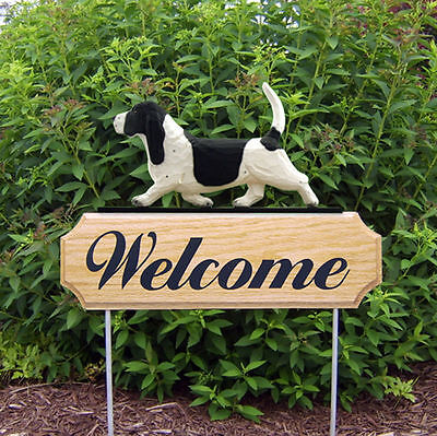 Basset Hound Dog Breed Oak Wood Welcome Outdoor Yard Sign Black/White