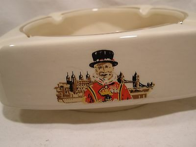 Rare Beefeater Gin Liquor Wade England Rounded Square Ceramic Ashtray