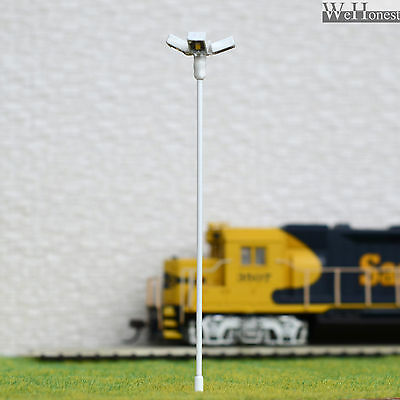4 pcs HO scale Model Floodlight Cold SMD LED made Cold Lamppost longlife #014
