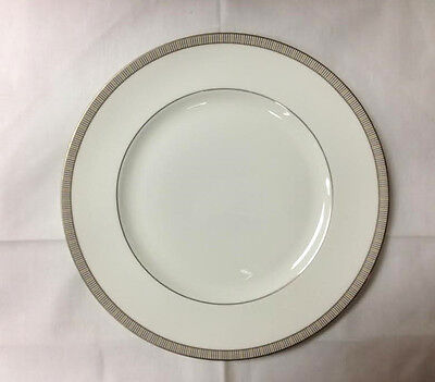 """Wedgwood """"proposal"""" Dinner Plate 10 3/4"""" Bone China Made In England"""