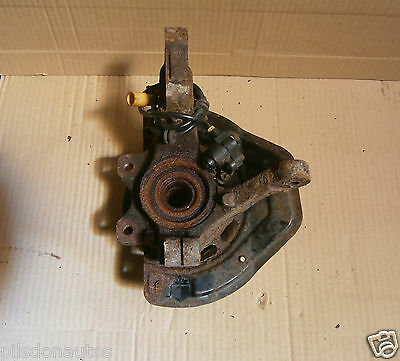 Vauxhall Vectra B Facelift 1999-2002 Offside Drivers Side Front Hub Carrier Only