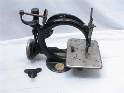 Antique Cast Iron Wilcox & Gibbs Sewing Machine 1871 Patent Belt Driven