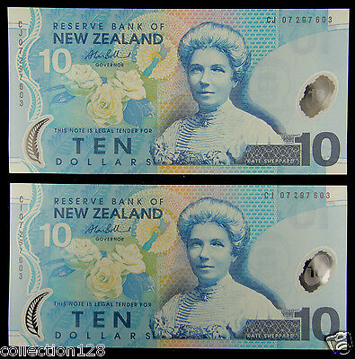 A Pair New Zealand Polymer Plastic Banknotes 10 Dollars UNC with SAME NUMBER
