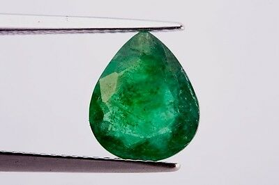 GemsVillage 2,08 Ct. - BEAUTY GREEN COLOR & GOOD QUALITY ON NATURAL EMERALD.