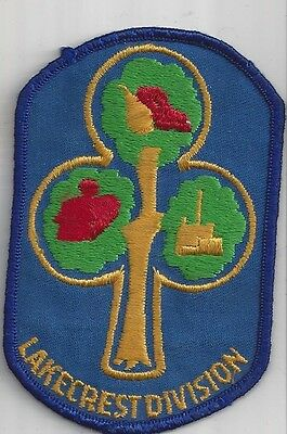 Girl Guides Canada Patch - LAKECREST DIVISION ONTARIO
