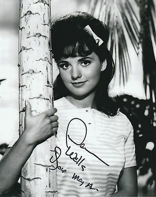 Dawn Wells Signed Autographed 8x10 Mary Ann Summers Gilligan's Island Photograph