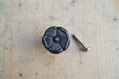 A Antique Style English Tudor Rose Iron Furniture Knob Drawer Door Handle Wh60