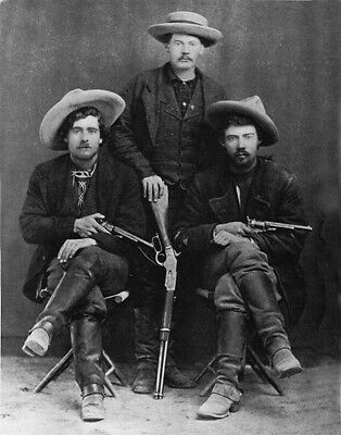 OUTLAWS GUN FIGHTERS BANK ROBBERS TRAIN HOLD UPS BANDITS DODGE CITY 1870'S PHOTO