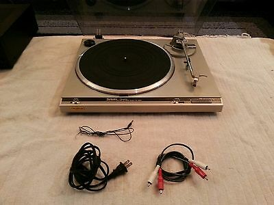 Vintage Technics Turntable SL-Q200