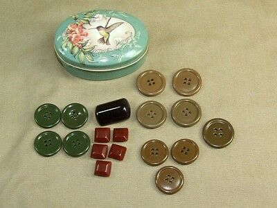 18 Vintage Plastic Bakelite Buttons Different Sizes Colors Amber Red Green Brown