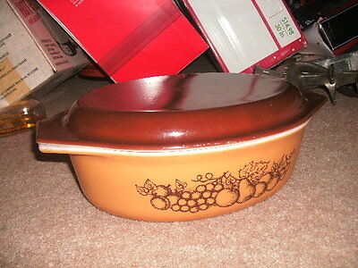 VINTAGE Pyrex OLD ORCHARD Oval 2.5 Qt 045 Ovenware WITH Lid EUC