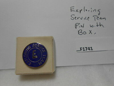 Exploring Service Team Pin With Box  F1741