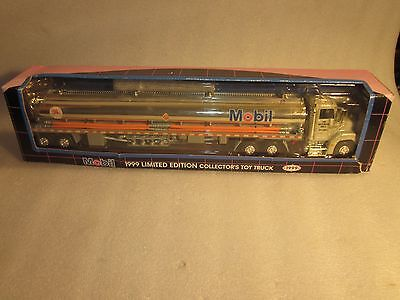 MOBIL 1999 LIMITED EDITION COLLECTOR'S TOY TRUCK original box