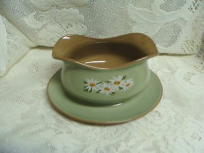 Taylor Smith & Taylor LAZY DAISY Gravy Boat & Underplate excellent