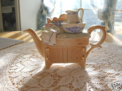 CARDEW BLUE ANTIQUE SINK CHEST TEAPOT ENGLAND NEW RETIRED, FREE SHIPPING & INS.
