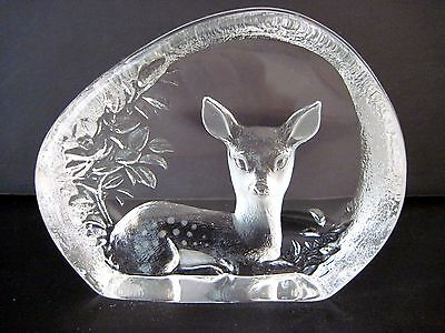 MATS JONASSON signed Lead Crystal Glass Fawn Paperweight SWEDEN MINT