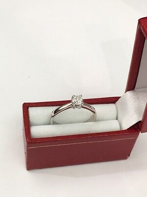 18k white gold genuine round diamond ring (free sizing )