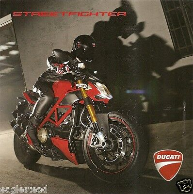 Motorcycle Brochure - Ducati - Streetfighter - c2010 (DC293)