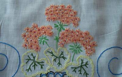 """Vintage Linen Table Runner Pink Embroidered Geraniums Lace Trim 26"""""""