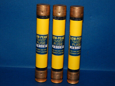 Lot of 4 Bussmann LPS-RK-3-2/10SP Fuses 3-2/10(3.2)Amp 600Volt LPSRK32/10SP