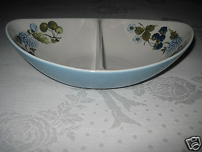 IROQUOIS INFORMAL DIVIDED VEGETABLE SERVING DISH-TURQUOISE w/FLORAL-EXCELLENT