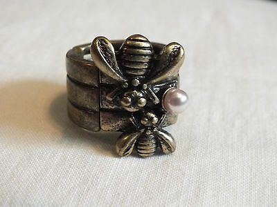 Brass Tone Cocktail Ring Stretch Chunky Bees Pink Faux Pearl 5/8 Inch Wide CUTE