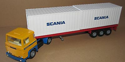 TEKNO 1:50 SCALE SCANIA 140 ARTICULATED LORRY WITH TRAILER AND TWO CONTAINERS