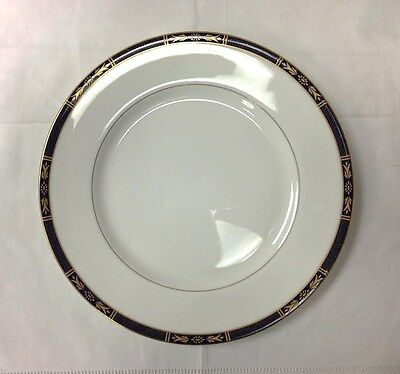 """ROYAL WORCESTER """"ROYAL LILY"""" DINNER PLATE 10 5/8"""" BONE CHINA NEW MADE IN ENGLAND"""