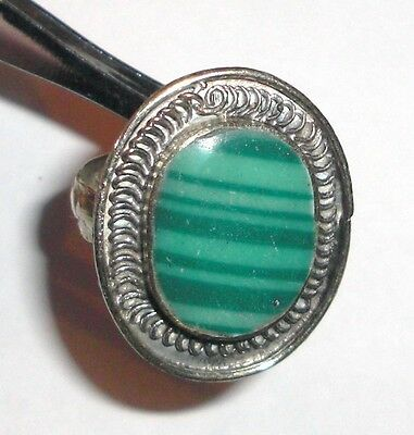 Handmade vintage ring from Uzbekistan with Green Stone