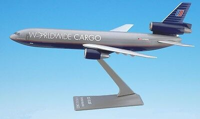 UNITED WORLDWIDE CARGO, Douglas DC-10  desk model
