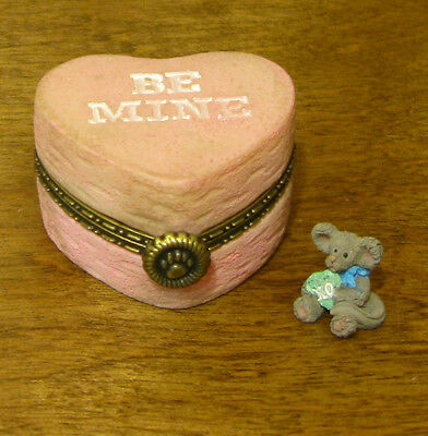 Boyds Treasure Box #4038007 CANDY'S HEARTBOX w/ KISSES McNIBBLE From Retail Shop