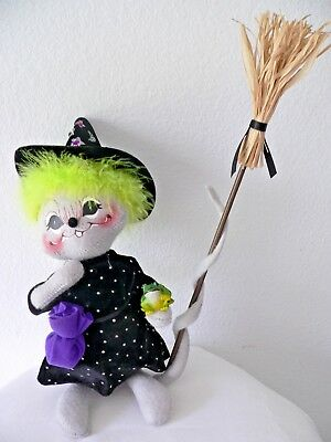 NWT ANNALEE MOBILITEE HALLOWEEN 2004 10 WITCH MOUSE 329604 WITH BROOM AND FROG