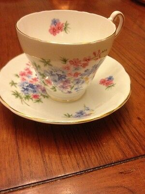REGENCY FINE BONE CHINA TEACUP AND SAUCER PINK /LAV ROSES ON WHITE ~ VERY PRETTY
