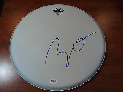 """RAY DAVIES """" The Kinks """" - Signed 14' Remo DRUMHEAD Made in U.S.A - PSA DNA COA"""