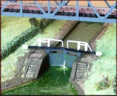 Knightwing A56 Broad Canal Lock Gates N Gauge Kit