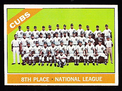 1966 TOPPS #204 CHICAGO CUBS TEAM CARD W/ERNIE BANKS/BILLY WILLIAMS/RON SANTO
