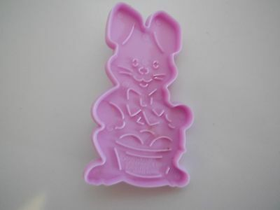 1990 Wilton Plastic Lavender Easter Bunny w Basket Cookie Cutters with Handle