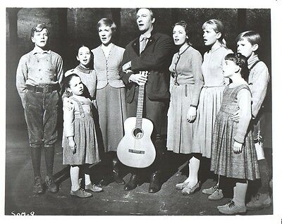 Julie Andrews  Sound of Music 8x10 glossy Photo #E1138
