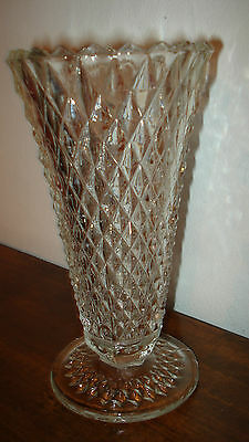 VINTAGE CRYSTAL DIAMOND CUT GLASS VASE GORGEOUS 8 INCHES TALL PERFECT  CONDITIO