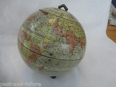 """SCARCE HUNTLEY AND PALMER """"GLOBE"""" BISCUIT TIN, 1906, 7"""" TALL."""