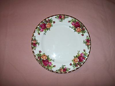 Royal Albert 1962 Old Country Roses Salad Dessert Plate Scalloped Gold Edge Dish