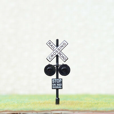 4 x HO Scale Railroad Crossing Signals 2mm LEDs made + 4 Circuit board flashers
