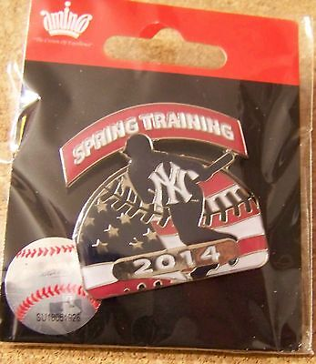 2014 NY New York Yankees Spring Training patriotic lapel pin red white blue